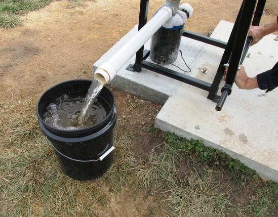 Pump Results from Living Off Grid - A Home Made Deep Well Pump~  Read more: http://www.motherearthnews.com/homesteading-and-livestock/living-off-grid-a-home-made-deep-well-pump.aspx#ixzz2zYZxGMp8