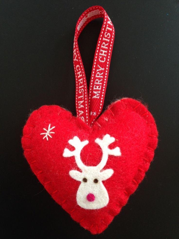 Les 25 meilleures id es de la cat gorie coeurs en feutrine - Decoration coeur rouge ...