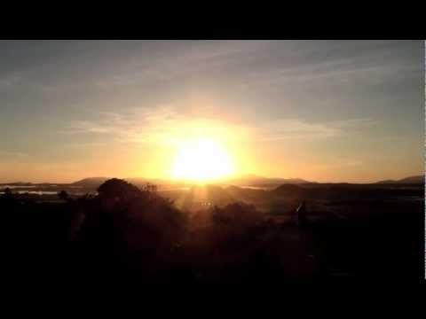 ▶ 10 Minute Guided Morning Sunrise Meditation - YouTube