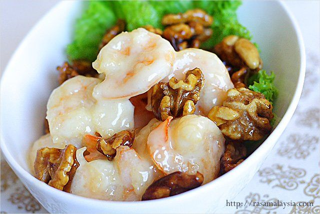 Honey Walnut Shrimp / Walnut Prawn Recipe (核桃虾) | Easy ...