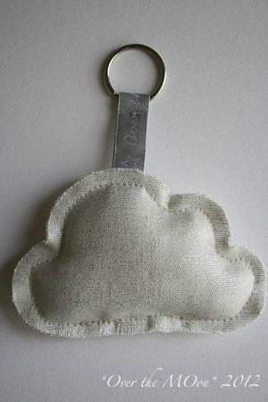 porte clés nuage à faire avec du cuire