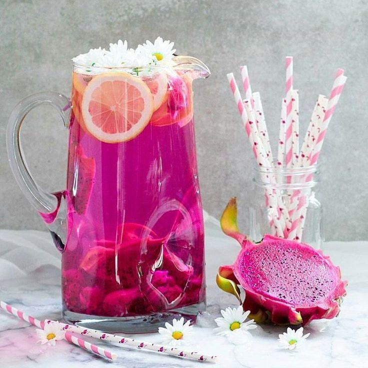 Teniendo limonada de #pitaya, ¿para q un refresco?? 😍😍  #love #pink #instafood #foodie #natural #healthyfood #healthy #instagramers #igers #sweets #pink #goodday
