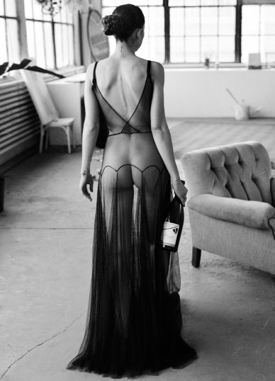 Would love to have a negligee like this...