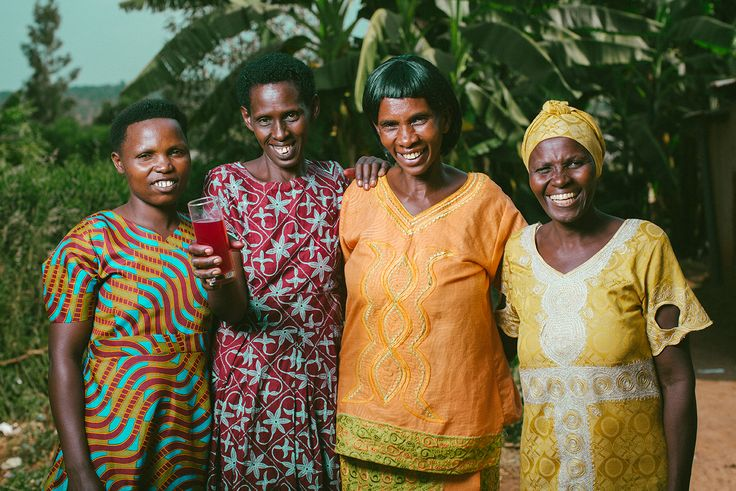 Four friends together in #Rwanda (photo credit: Esther Havens)
