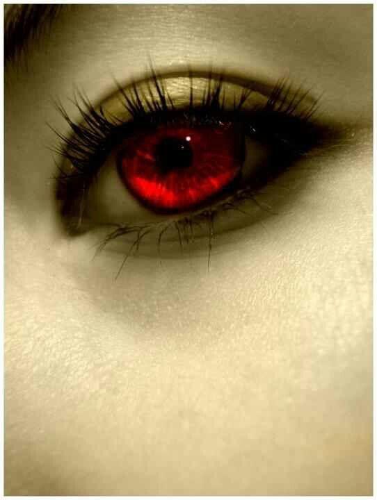 Los ojos Rojos existen, yo los ví personalmente en una niña