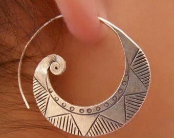Bella spirale d'argento orecchini - gioielli tribali - gioielli argento - nativo Jewery - gioielli etnici - spirale - forma gioielli