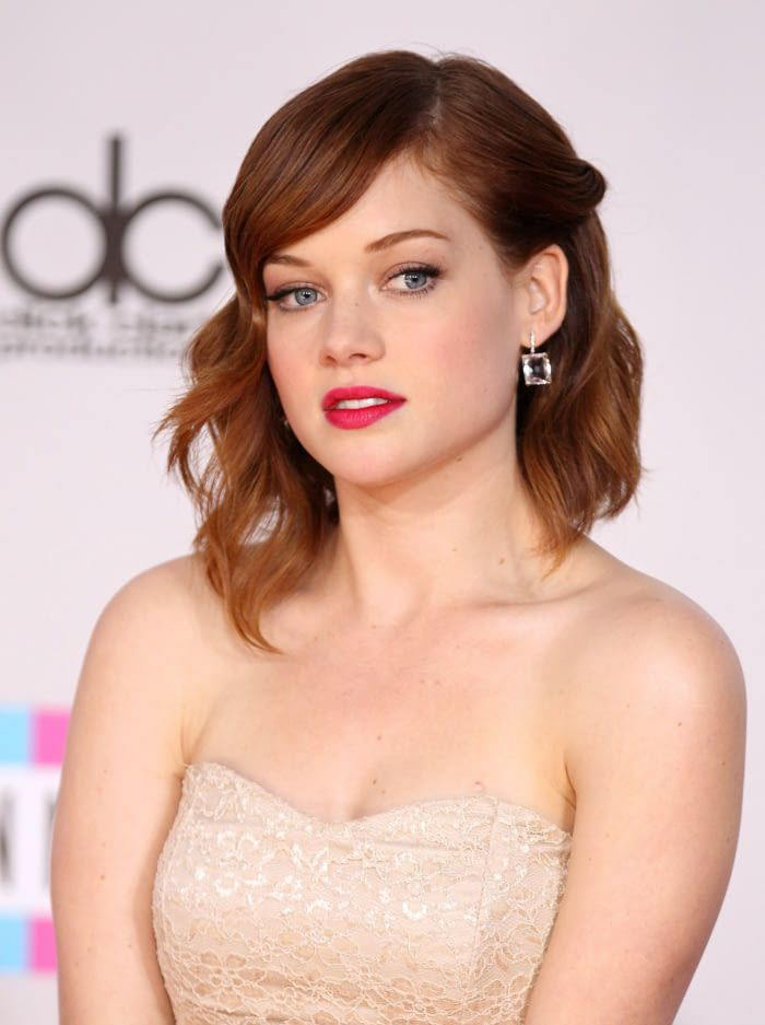 Jane Levy, stunning