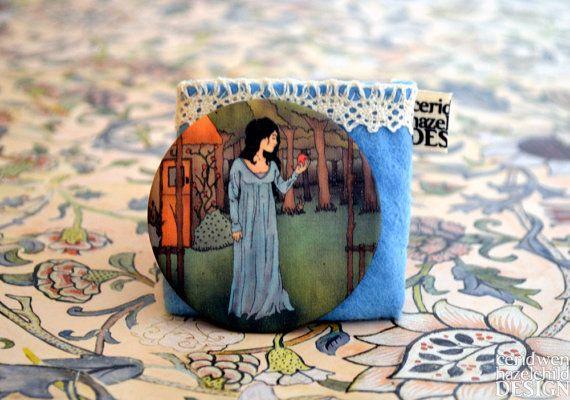 Fabric Snow White Illustration Pocket Mirror
