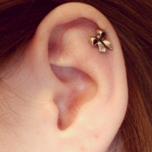 My new favorite earring. #bow #ribbon #cartilage #earrings #piercing (Taken with instagram) things-i-want
