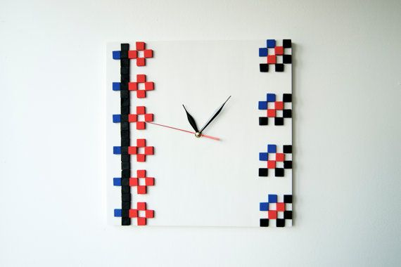 IE  Field Flowers  / Wood wall clock / Romanian by DecoBoxRo