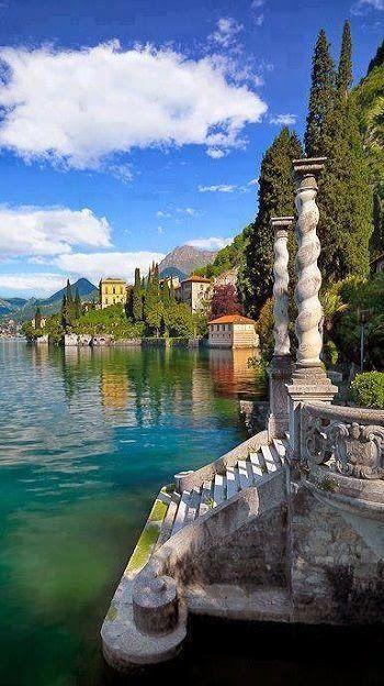 Lake Como, Italy. HERMOSO, ENCANTADOR LAGO.