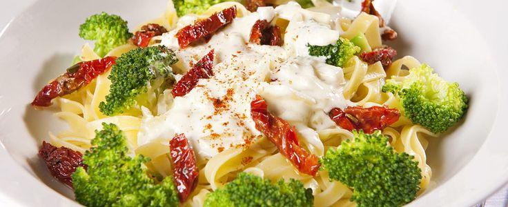 Pasta med broccolisaus - Aperitif.no