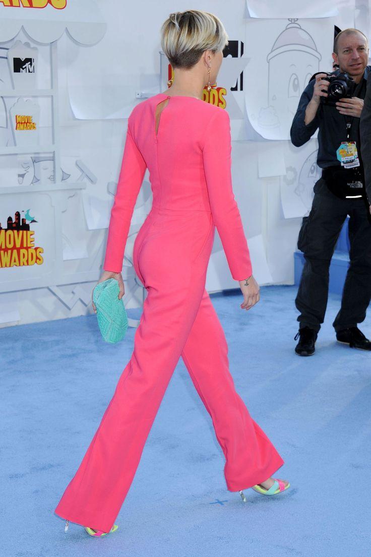 Scarlett Johansson in Zuhair Murad Jumpsuite at 2015 MTV Movie Awards in Los Angeles