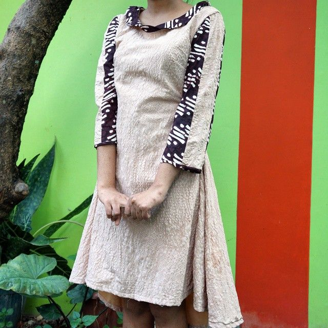 Let's have #fun in #batik #batikdress #kainembos #madetomeasure #handmade #madeinindonesia #custommade #minidress #craftsmanship #localproduct