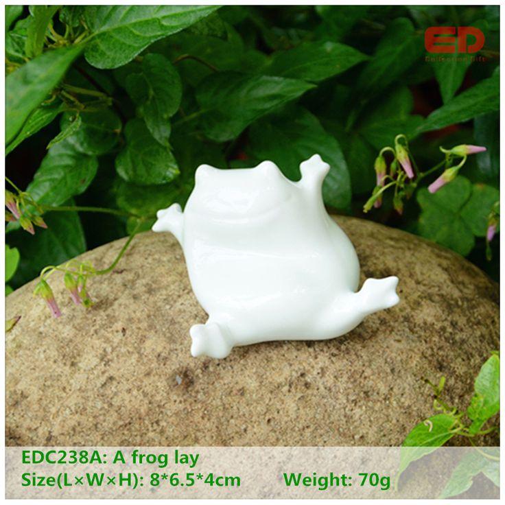 ED original design folk art cute ceramic/porcelain frog home animal garden ornament Christmas home decoration