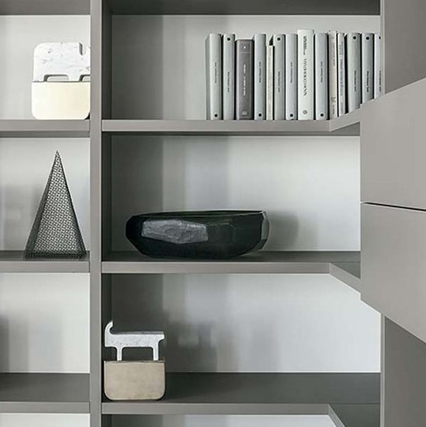 LEMA | SELECTA Custom Made bookcase is the evolution of the first Italian freestanding system designed by Lema in 1978. SELECTA continues its evolution from more than thirty years with new finishes and elements that fit the different needs that consumers have developed over the years.