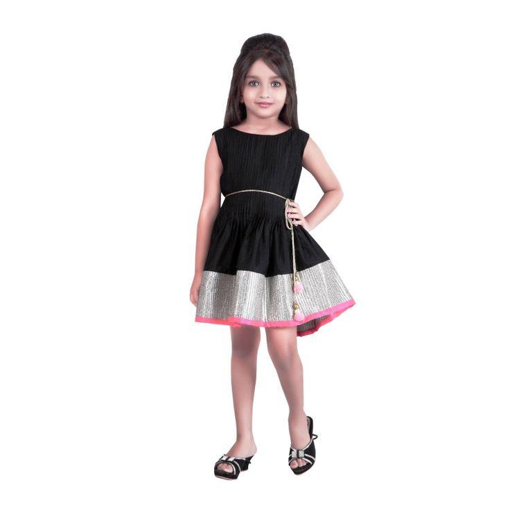 Graceful Black Dress..