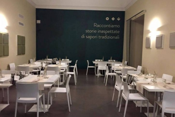 New installation by Gaber 2015 TRE FARINE - Caserta Italy Epica chair, Bakhita chair & Venus tables Available from SW Contracts 011 262 3521 info@swcontracts.co.za www.swcontracts.co.za