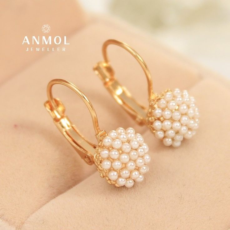 The #Turnovers earings. Make people turn over.  #anmol_jeweller  #gold #pearl #earing #hanging #beautiful #designer #jewel #artwork #jewelery #lavish #royal #cute #lavish #gorgeous  For queries call or watsapp:9910401704  To place order mail us at:Anmol.jeweller01@gmail.com