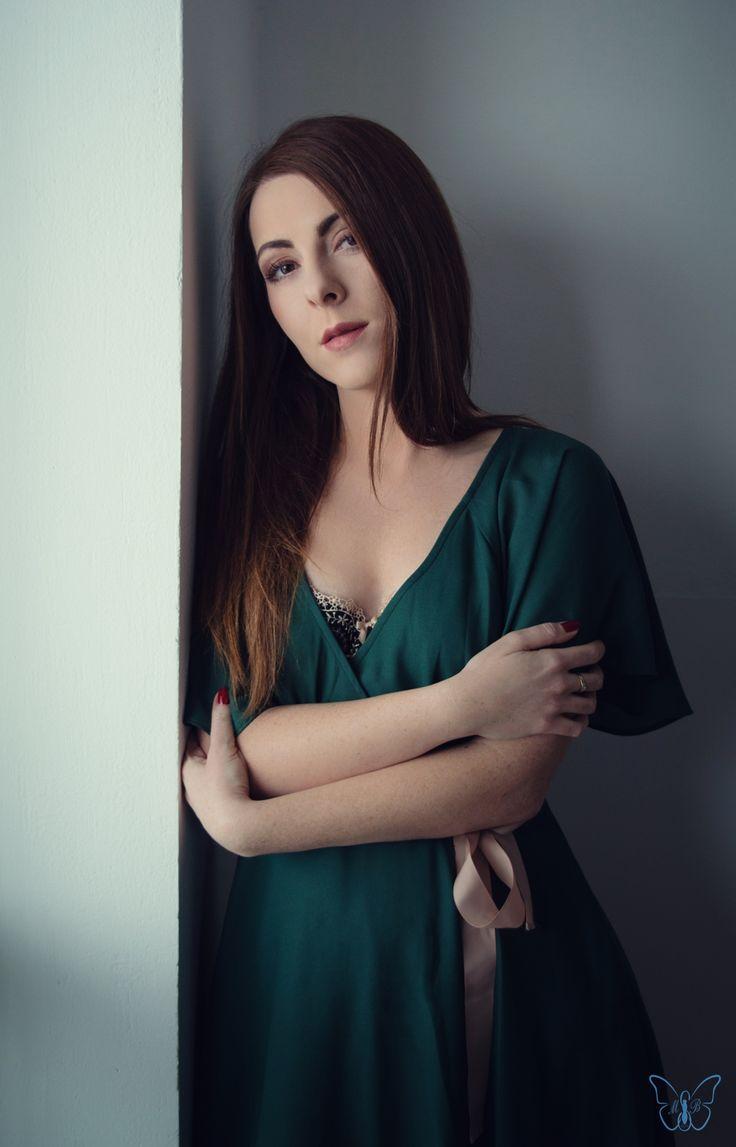 Fotograf, MUA, włosy i stylizacja: Marta Lityńska Modelka: Marta Jabłońska  Polub mnie na Facebooku: https://www.facebook.com/MartaLitynskaMSB  A to mój Instagram: https://instagram.com/martasarablanka