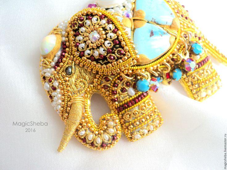 Купить Брошь Индийский Слон талисман, вышивка золотом - золотой, золотая брошь, брошь слон