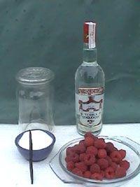 Frambozenlikeur maken. likeur frambozen maken recept recepten frambozenlikeur fruit soorten frambozenlikeur, maken, likeur, soorten, verschillende, likeuren, recepten, frambozen, fruit, alcohol, alcoholarme, drank, receptie, aperitief