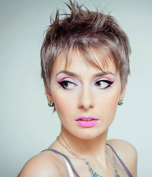 women's+short+hairstyle+for+straight+fine+hair