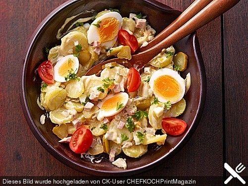 Omas bester Kartoffelsalat mit Mayonnaise, ein raffiniertes Rezept aus der Kategorie Fleisch & Wurst. Bewertungen: 595. Durchschnitt: Ø 4,5.