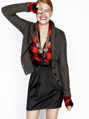 Really like pairing flannel and sweater with such a cute/dressy skirt.