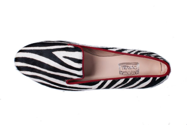 #durval #shoes #ballerine #ballerinas #flat #youmusthaveit #madeinitaly #florence #firenze #iloveshoes #iloveshoppig #leather #fashion #moda #fashionblogger #suede #cute #feet #crown #colours #slippers #zebra #black #white #loafers #red #animalier