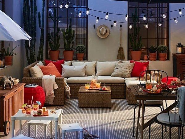 Pin De Simone Tessari En Balcony En 2020 Terraza Moderna Acogedor Muebles