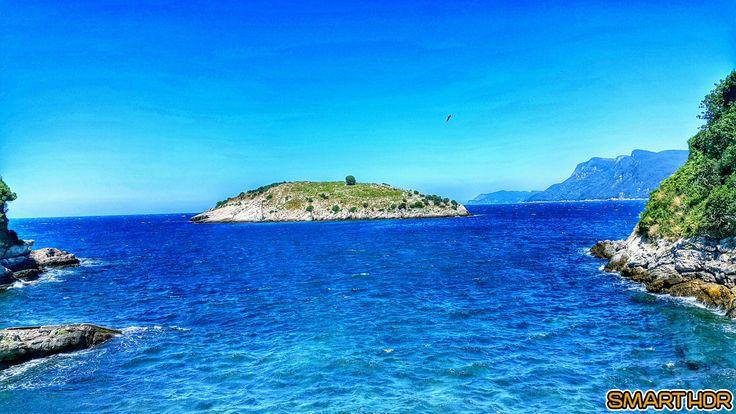Mavi, bir renkten daha fazlası. Sonu olmayan bir gökyüzü, umut dolu bir deniz.  Cemal Süreya  #Deniz #Mavi #Gökyüzü