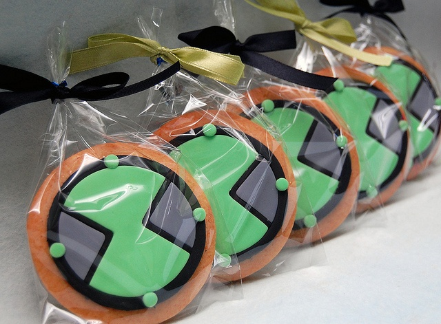 Ben 10 Omnitrix Cookies by kookielicious, via Flickr