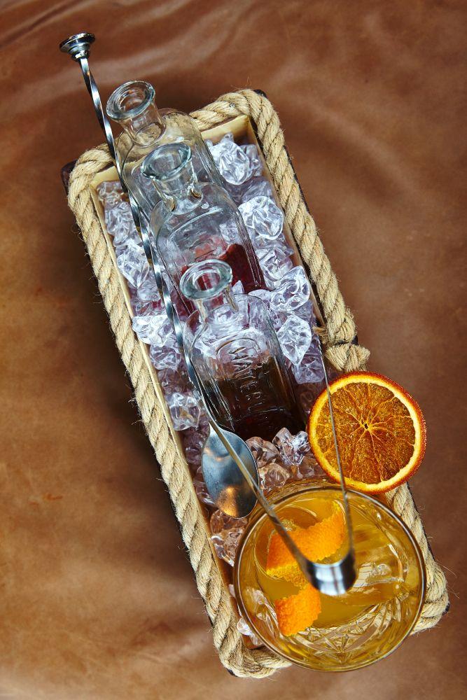 Вы можете выступить в роли миксолога. Смешивайте на свой вкус. #bar #cocktails #bartender #mixology #fun #gastronomika #ginzaproject