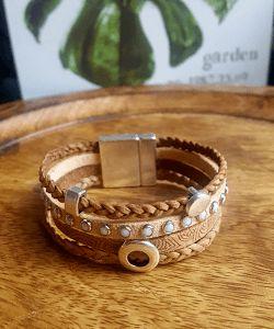 Leren armband dames naturel nu te bestellen in jouw polsmaat. Tof als cadeau! Leren armbanden voor mannen en vrouwen. ✓ Handgemaakt ✓ Uniek ✓ Goedkoop!