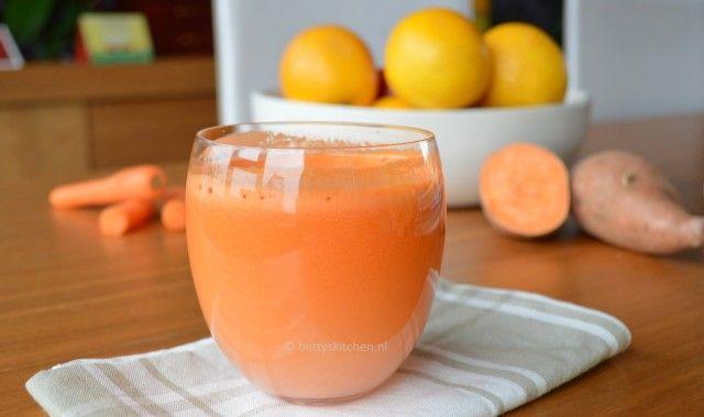 De website staat vol inspiraties en recepten. Hier heb ik dus dit recept gevonden voor een lekkere zoete ontbijt juice: De Good Morning Juice.