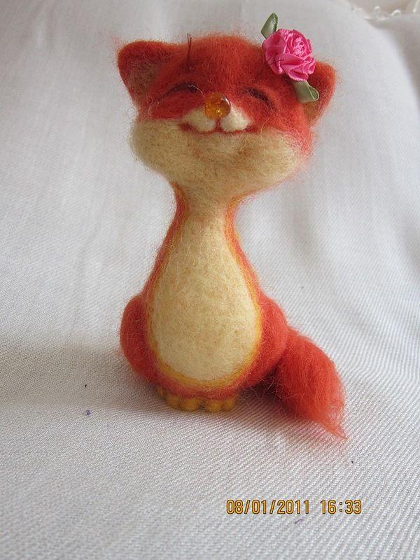 felted cat by Tatiana Barakova?