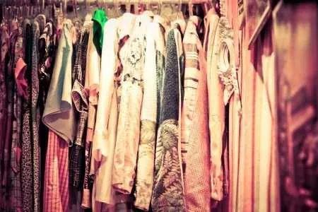 lote de 10 pçs de roupas de marcas usadas para brechó