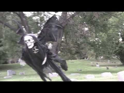 Prank Artist of the Day: The Attack of the R/C Flying Skeleton!