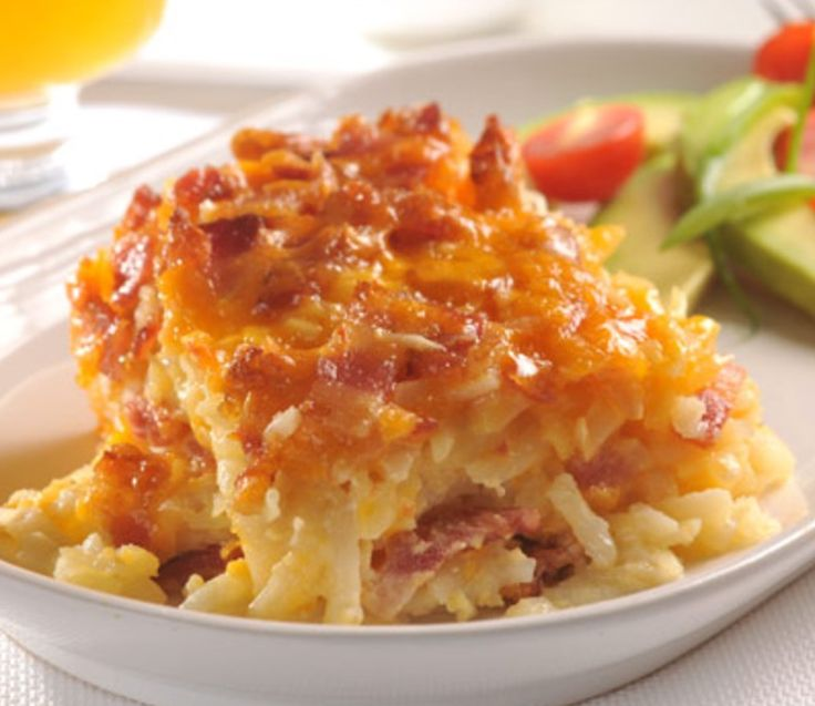 This Potato Bacon Casserole takes only 5 ingredients and 10 minutes preparation. Hash brown potatoes, bacon and cheese are a perfect combination for comfort food.
