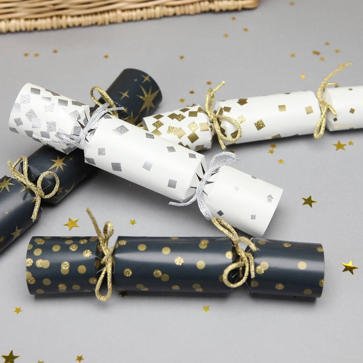 Christmas Sparkly Crackers With Wine Charms