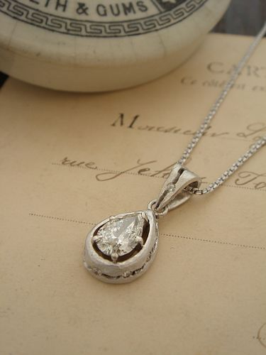 Order Collection - Pendant - 094