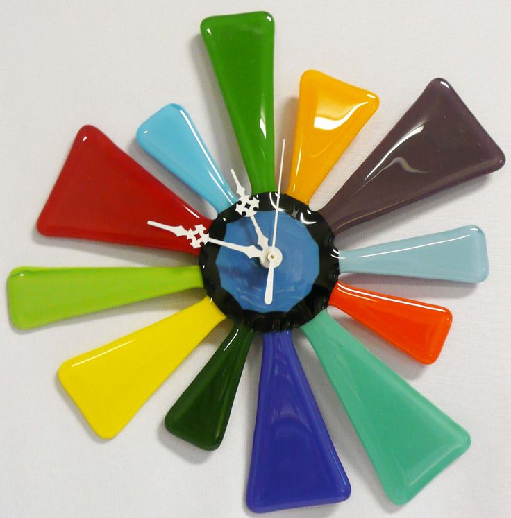 Fused Glass Clock @Copper Siegel Siegel Moon. This is a doable project. Just have to maintain that center hole.