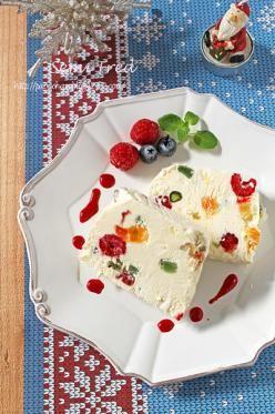 「クリスマスふわっとアイスケーキ☆セミフレッド」ぱお | お菓子・パンのレシピや作り方【corecle*コレクル】