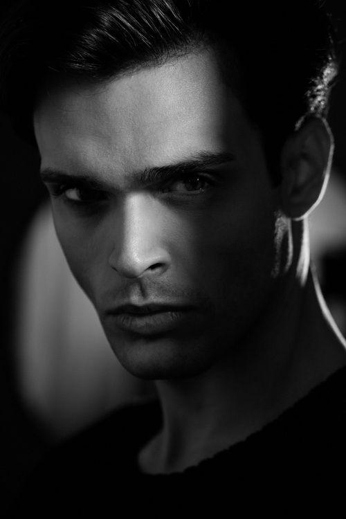 Portfolio_Portraits_David_Parisi.jpg (500×750)