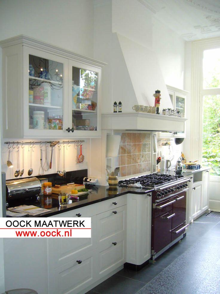 Maatwerk klassieke landelijke keuken mooi fornuis van