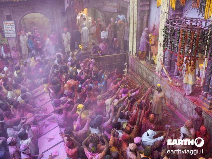 Istantanee dalla Festa di Holi in #India, la festa dei colori che segna l'inizio della primavera e la vittoria del bene sul male