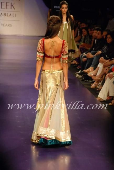 the back is even more beautiful! manish malhotra knows how to play with his colors!