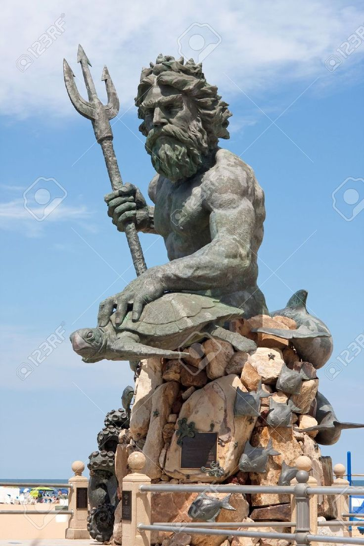 A Large Public Statue Of King Neptune That Welcomes All To VA.. Stock Photo, Picture And Royalty Free Image. Image 11232905.