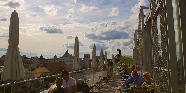 Die schönsten Dachterassen Cafés, Bars und Lounges hoch über den Dächern der Stadt München.